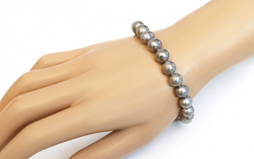 Bracelet White  pearls on 925Sterling Silver - IS684PP - on a mannequin