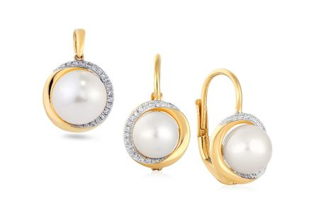 Gold set with pearls and diamonds 0.015 ct