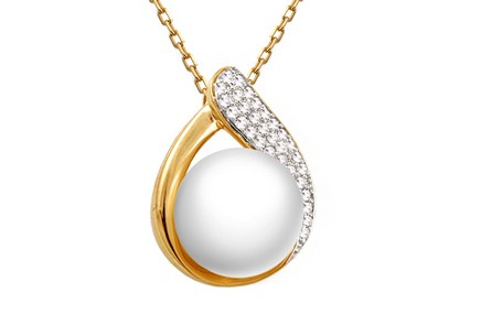 Gold diamond pendant with pearl