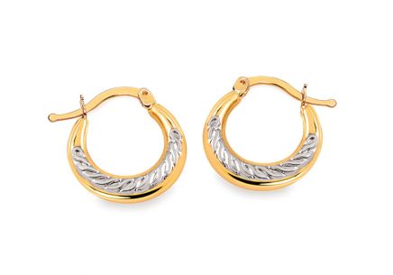 Earrings made of mixed gold rings with a structured pattern