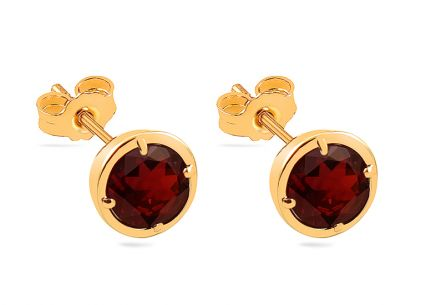 Gold stud earrings with natural garnet