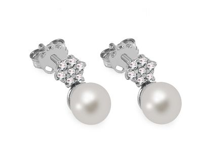925Sterling silver earrings with white pearl decorated cubic zirconia