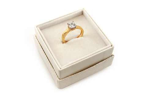 Engagement ring with cubic zirconia - IZ18912 - in a box