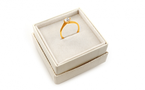 Engagement ring with cubic zirconia - IZ19309 - in a box