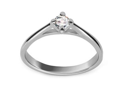 Engagement ring with cubic zirconia