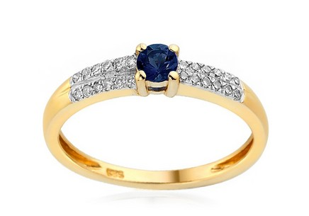 Engagement ring Idalia with sapphire and diamonds