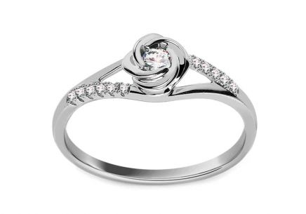 Engagement ring with 0.170 ct Rose diamonds