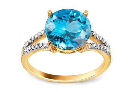 Gold and Diamond Ring with Topaz Beauté