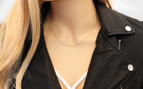 Gold chain Singapore 1.5 mm - IZ4390 - on a mannequin