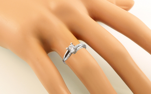 Gold Engagement Ring Diamond pattern - CSRI800A - on a mannequin