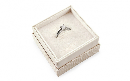 Gold Engagement Ring Diamond pattern - CSRI800A - in a box