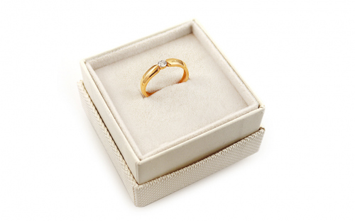 Gold Engagement Ring with Zircon Aletha 2 - IZ13042B - in a box