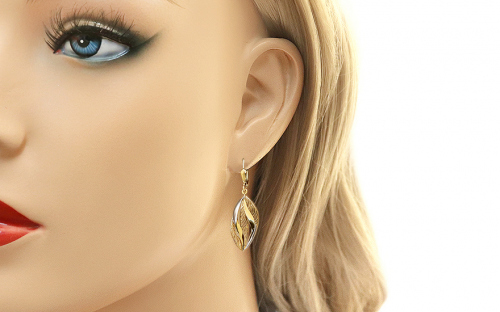 Two-tone Gold hanging earrings with pattern - IZ11387 - on a mannequin