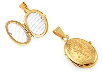 Gold Engraved Photo Locket
