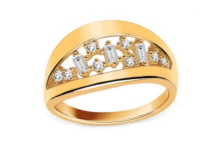 Gold ring with cubic zirconia