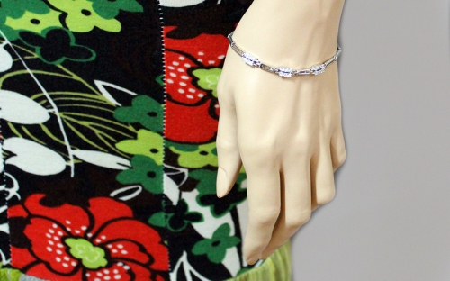 Sterling Silver Bracelet decorated with Cubic Zirconia - IS1017