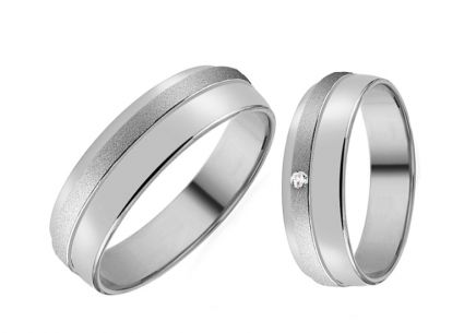 Wedding rings with zircon