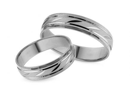 White gold wedding rings with engraved pattern, width 5 mm