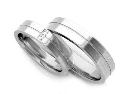 Wedding rings with diamonds 0.060 ct width 5.5 mm