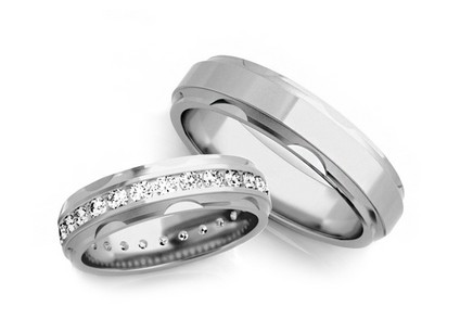 Wedding rings with diamonds 1,200 ct width 5 mm