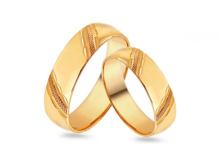 Gold Wedding Bands with pattern width 4 to 8 mm